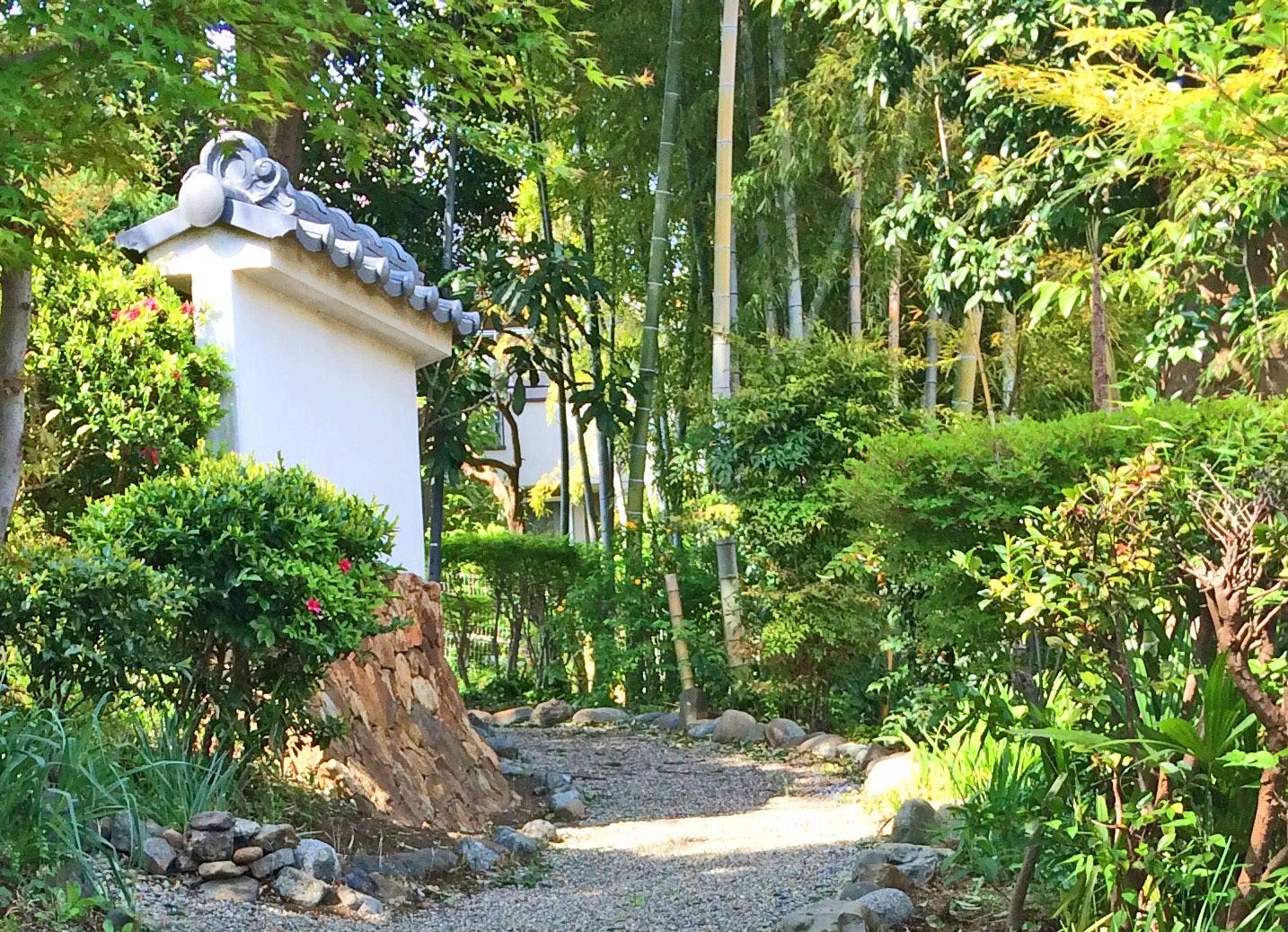 日本庭園と古民家貸切★25人以上可★高速道路、国道からも2分★映画★CM★雑誌撮影★披露宴★合宿 のサムネイル