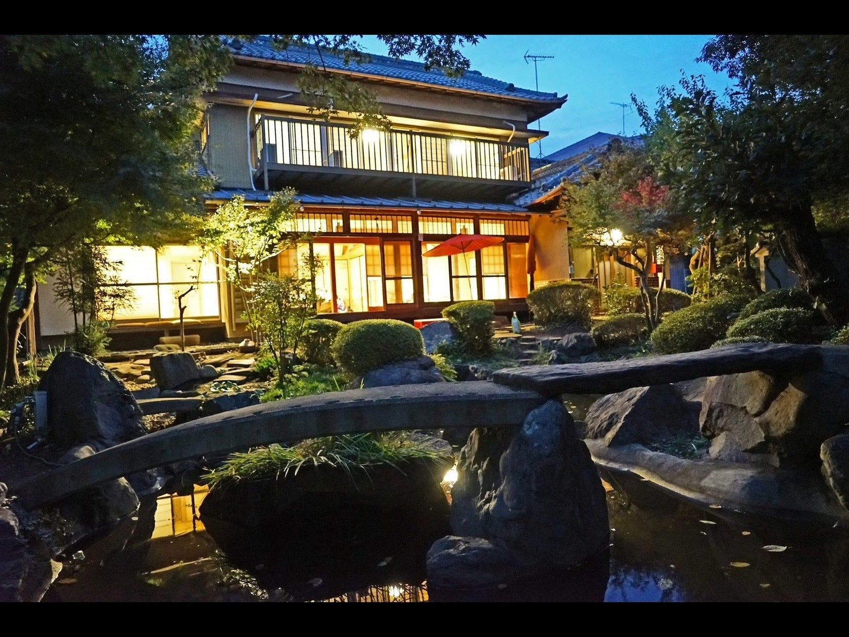 日本庭園と古民家貸切★25人以上可★高速道路、国道からも2分★映画★CM★雑誌撮影★披露宴★合宿 の写真