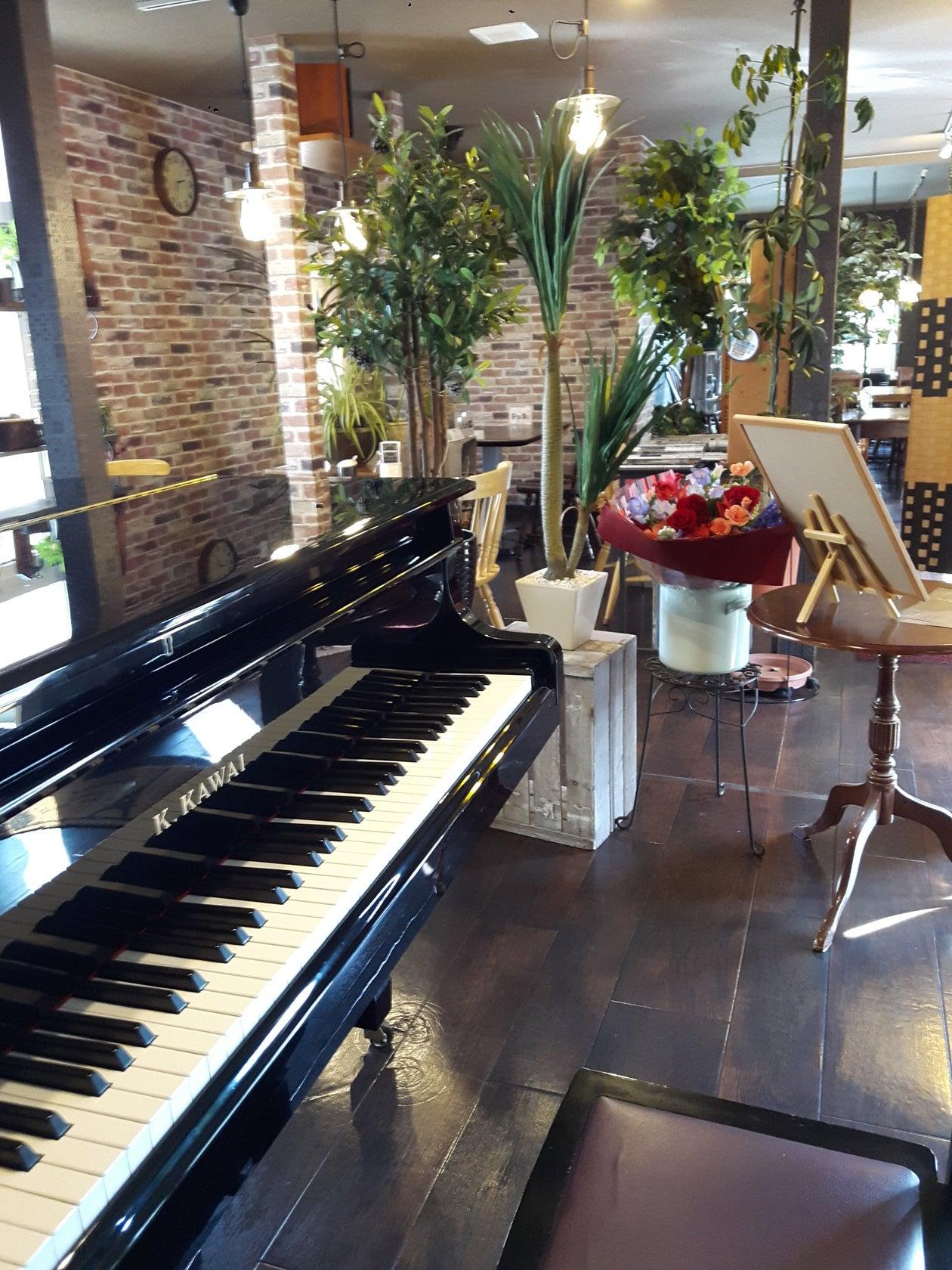 グランドピアノありカフェスペースでコンサート、発表会、女子会、お誕生日会などに対応。(グランドピアノありカフェスペースでコンサート、発表会、女子会、お誕生日会などに対応。) の写真0