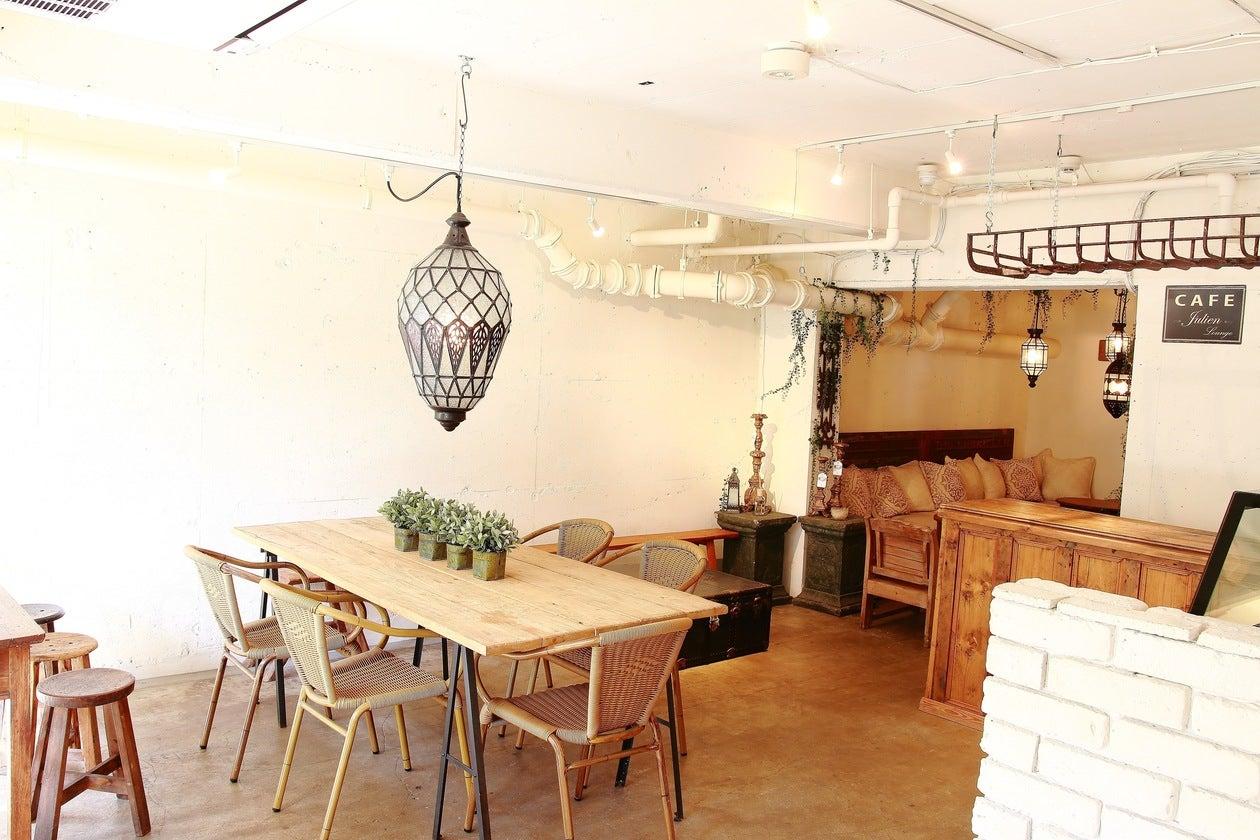 【白金台駅 徒歩3分】開放的なオープンテラスのあるカフェ(SHIROKANE | LOUNGE 港区白金台) の写真0