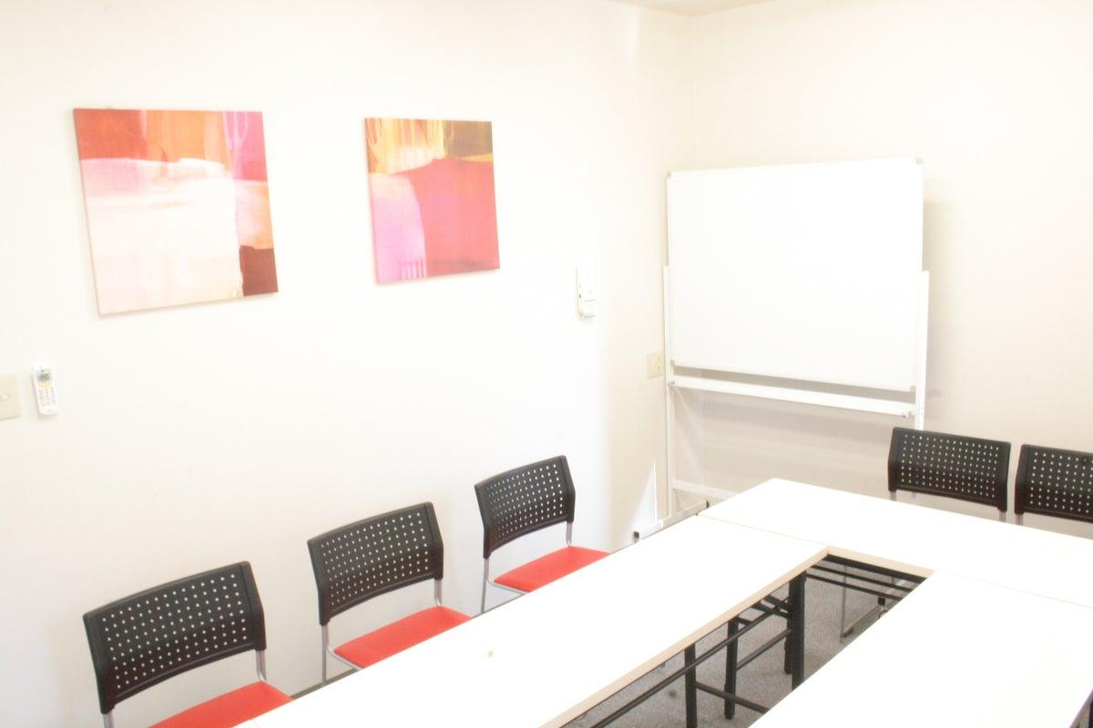 <貸会議室>【JR彦根駅西口:目の前】駅近!会議や自習に の写真