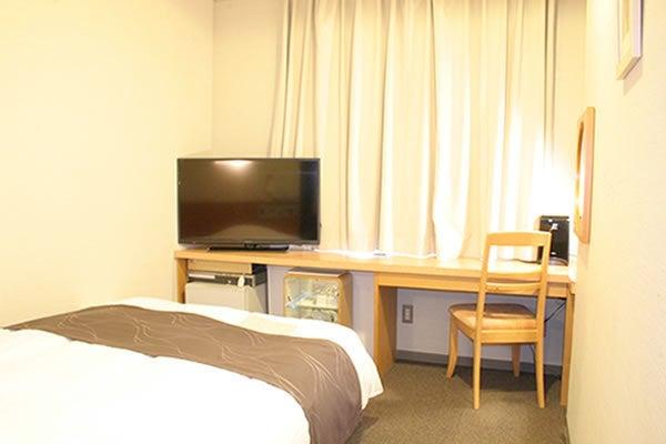 客室一例です。 全室大画面40インチの液晶TVを導入しています。