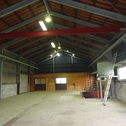 倉庫3棟からなる総敷地面積600坪!高い天井に、広々とした空間をご自由に! の写真