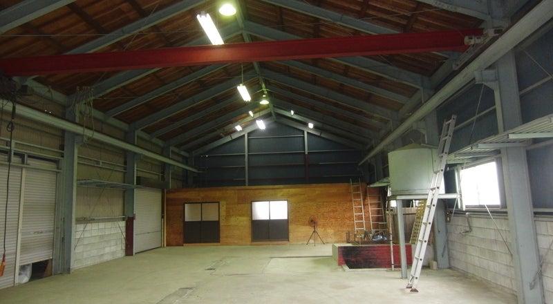倉庫3棟からなる総敷地面積600坪!高い天井に、広々とした空間をご自由に!