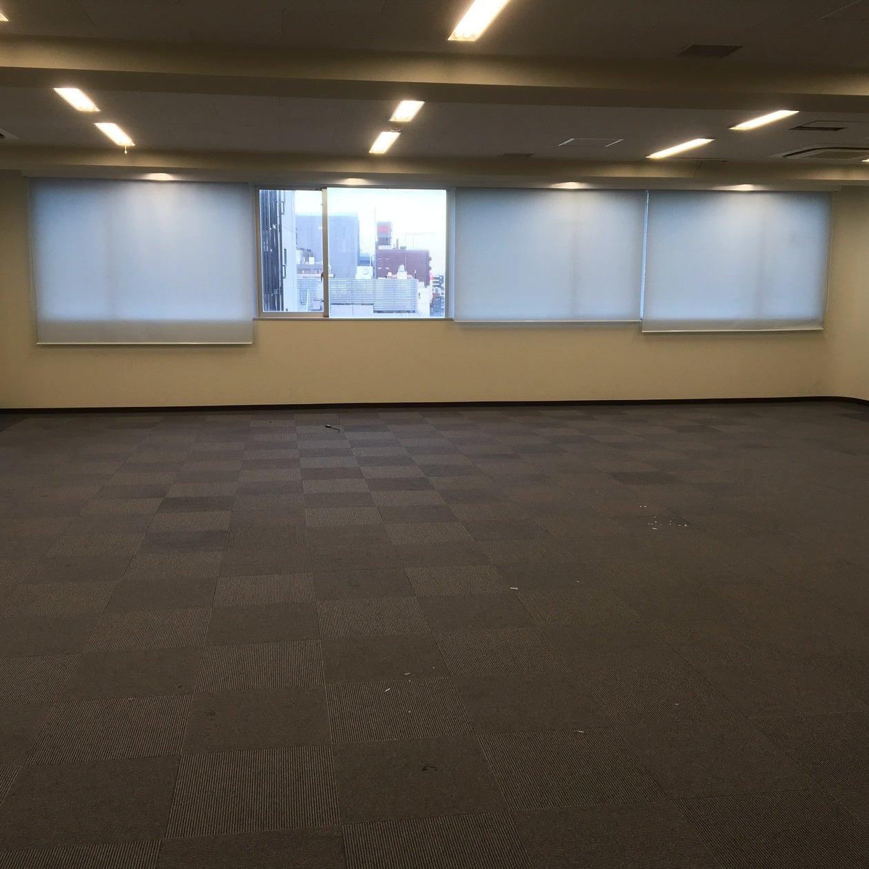 銀座線「田原町駅」からすぐ、国際通りに面したビル7階の広々スペース! 会議、イベントなどに最適!
