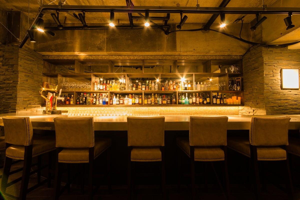 撮影やイベント、ワインの試飲会など、お洒落なスペースで行うことができます!内装にはこだわってます! の写真