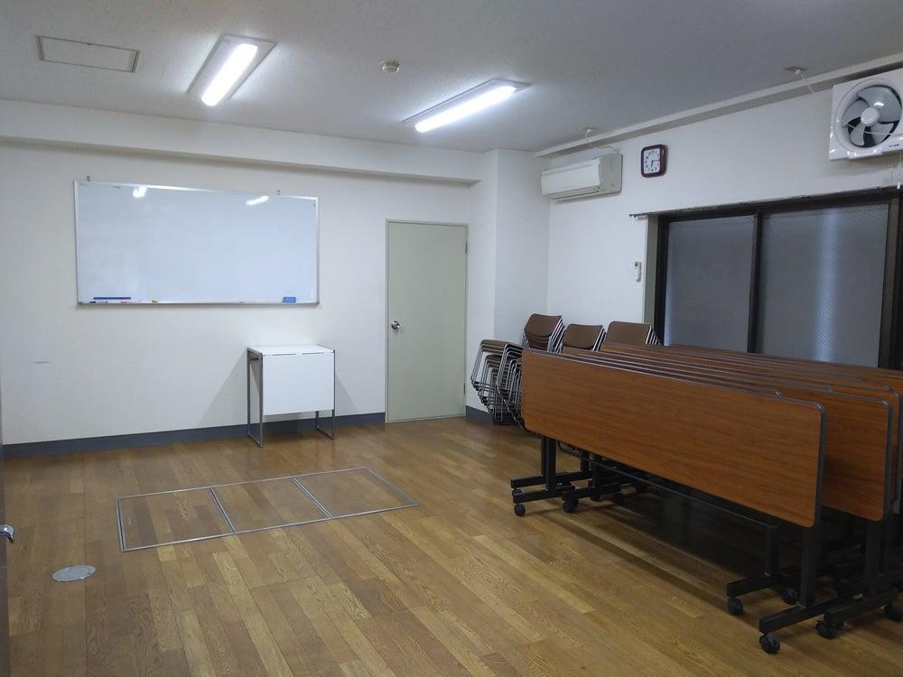 駅チカ!格安・シンプルなレンタルスペース。会議・スタジオに