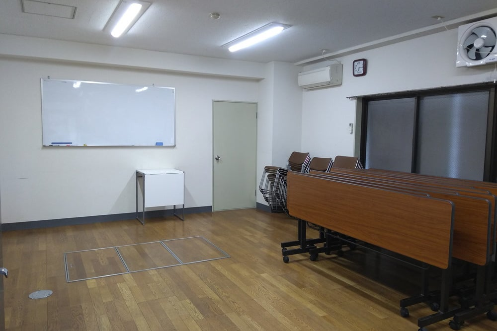 駅チカ!格安・シンプルなレンタルスペース。会議・スタジオに。 の写真