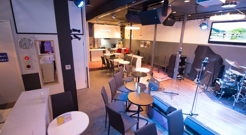 【目黒】カラオケ&ステージ付きスペースで生演奏でのライブもできちゃう✨様々なイベントに最適な空間です❗️#カラオケ#生演奏