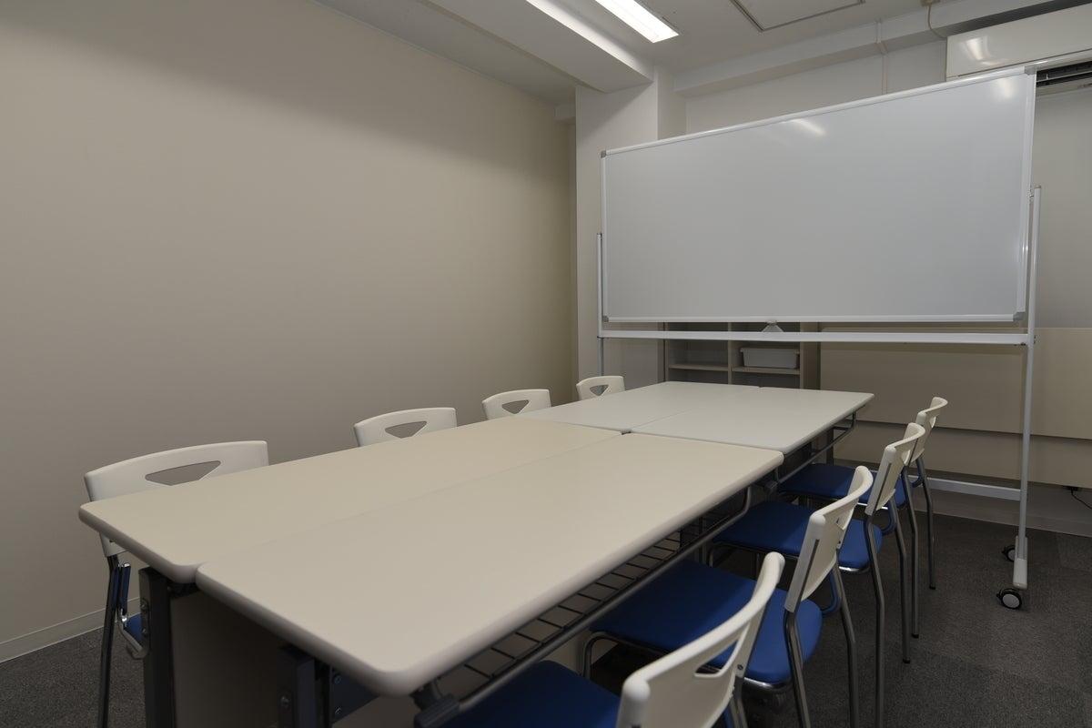 [丸の内駅から徒歩1分]お気軽会議室名古屋<ブルー> 丸の内☆完全個室☆Wi-Fi☆モニター の写真