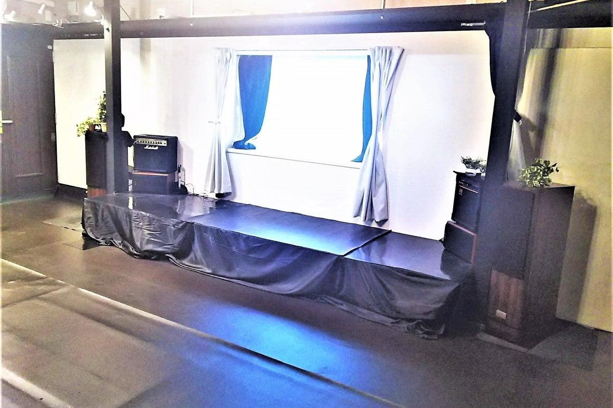 スタジオルーム 大きなスクリーン・鏡有り キッチンオプション の写真