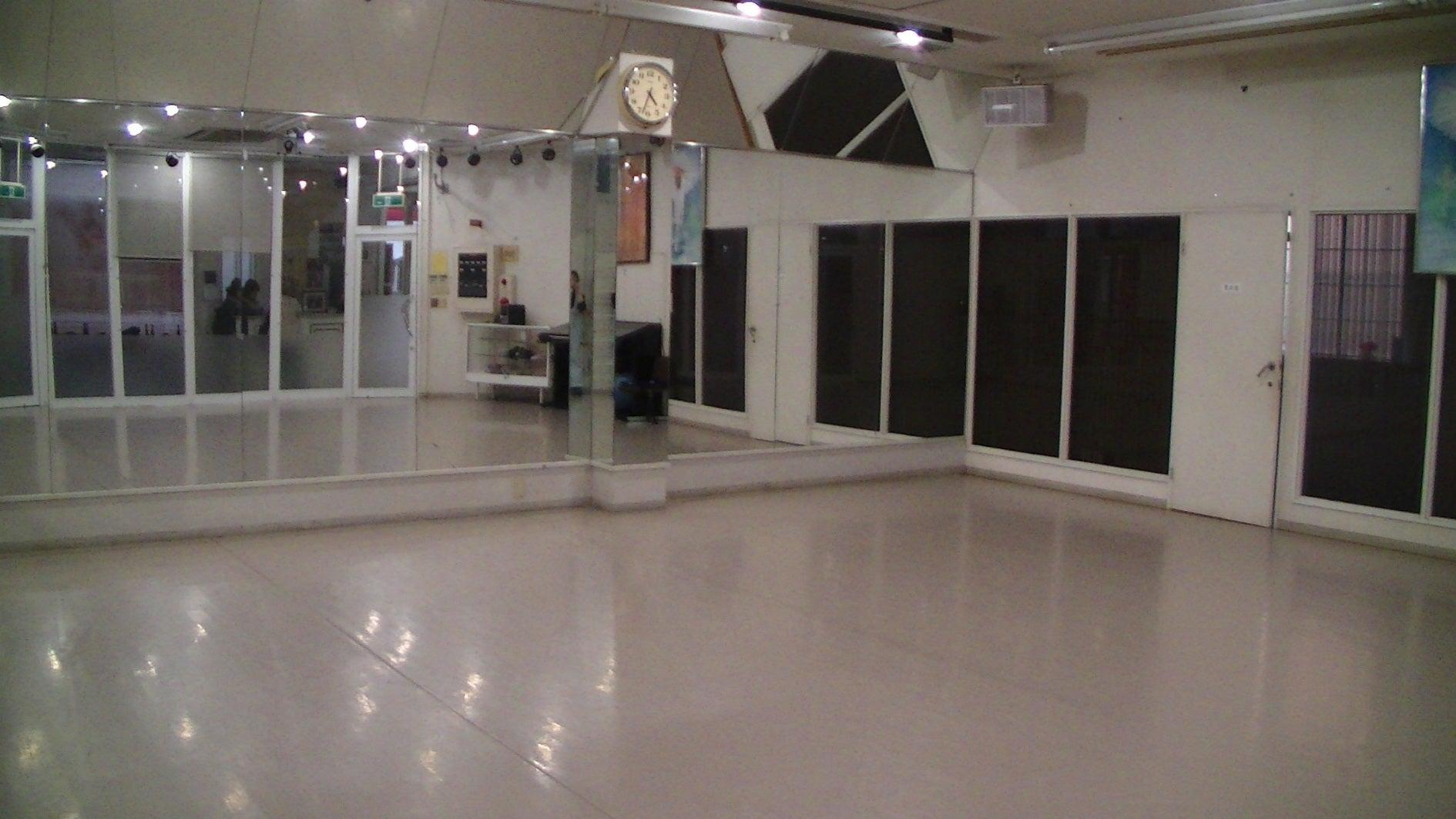 ダンス・スポットライトがついてるスタジオ・セミナー・会議室他(ダンス・スポットライトがついてるスタジオ・セミナー・会議室他) の写真0
