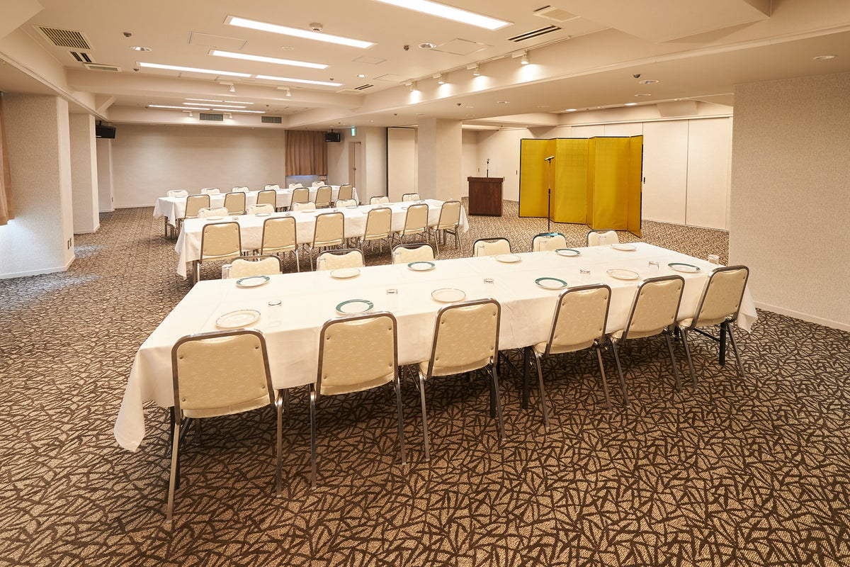 【新大阪から1駅・駅目の前】ホテルコンソルト146㎡会議室<40名~120名>低予算でワンランクUP☆☆☆ の写真