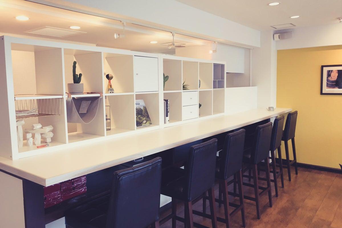 【六本木駅から4分】Wi-Fi完備のカフェを貸切で使おう♪勉強、会議、セミナー、撮影など使い方色々! の写真