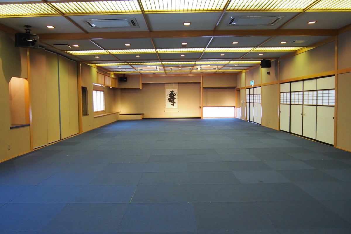 最大120畳の大宴会場!カーペットフロア、畳いずれも可!研修や発表会、展示会などに! の写真