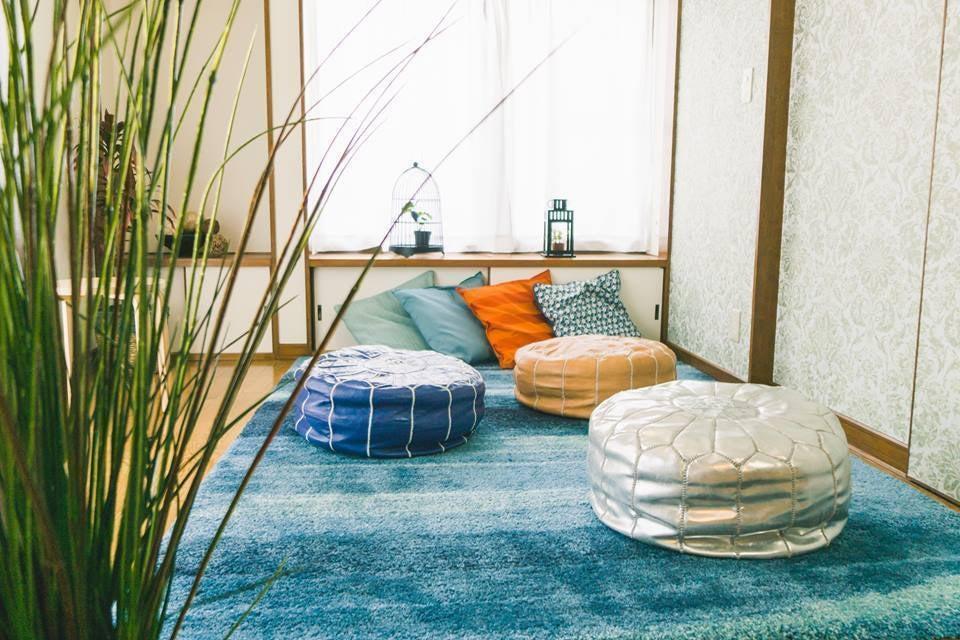fika桜上水〜夏みかんハウス〜上品なブルーに囲まれたリビング・ボタニカルな雰囲気がフォトジェニック♪(SNS投稿・動画撮影可) のサムネイル