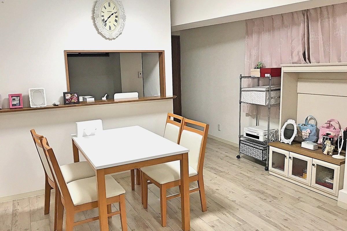 キッチン付き、間仕切りあり。会議室、サロン、撮影、女子会、カフェ利用など様々な利用に最適! の写真
