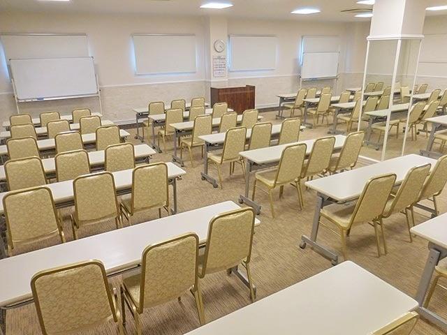 新横浜駅徒歩3分 160名用大ホール 会議・パーティ・懇親会に最適です Room1+Room2(新横浜3丁目大ホール) の写真0