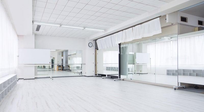 【名古屋駅近】3面鏡張りの清潔感あふれるエクササイズスペース|ATGレンタルスペース