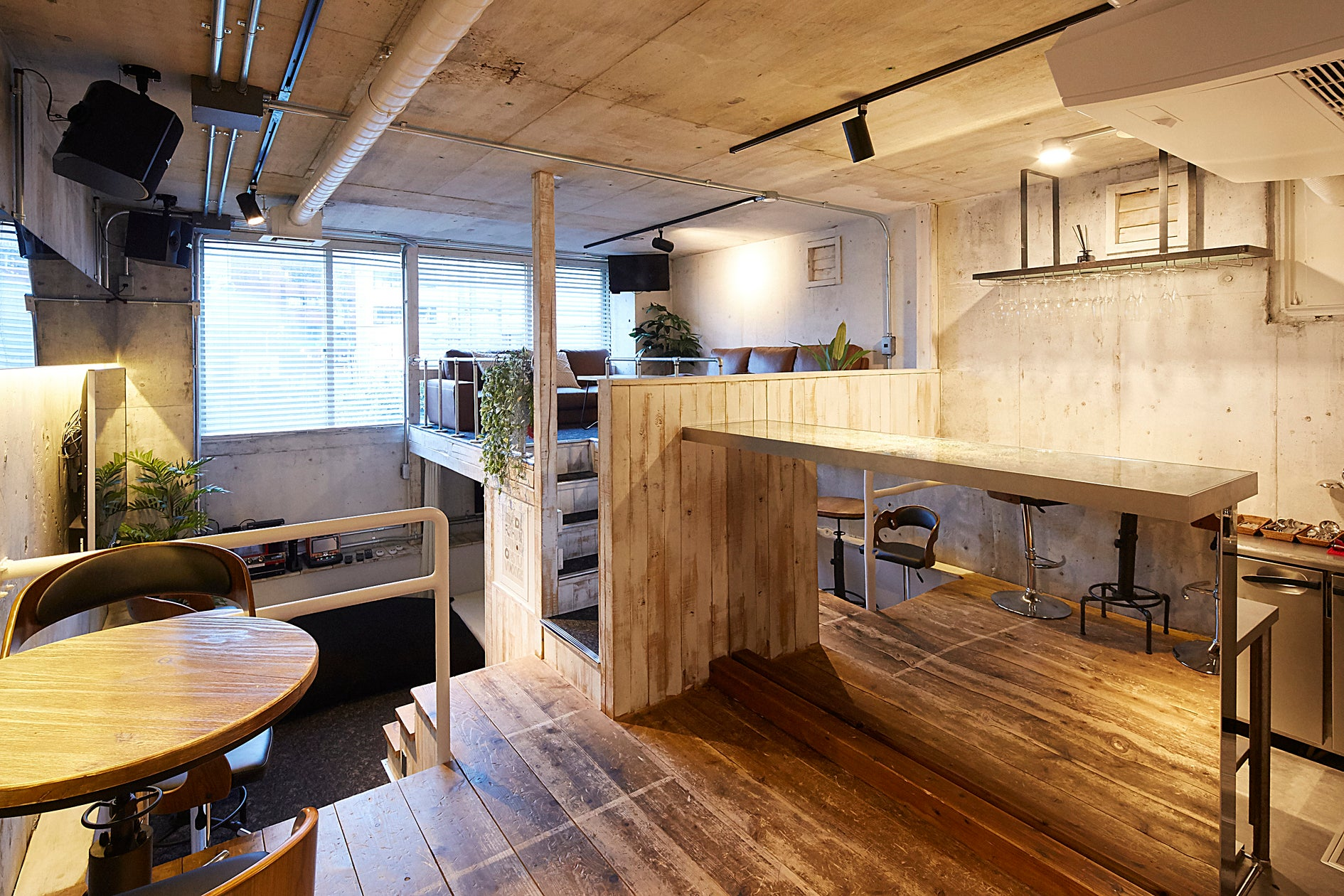 【六本木駅徒歩3分】Lounge-R ANNEX【キッチン付き隠れ家スペース】 の写真