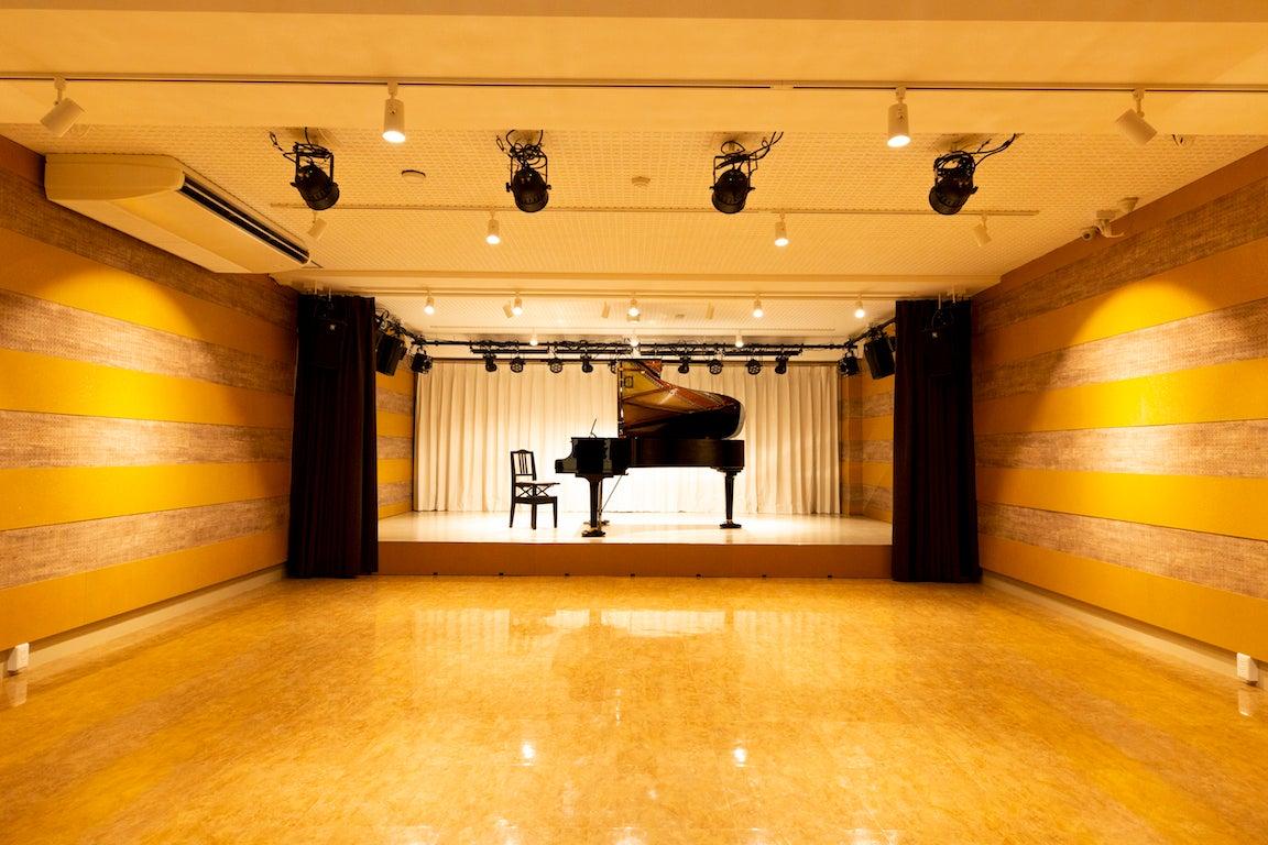 ピアノ演奏会・ダンス・アカペライベントの利用。ワークショップやヨガ・フィットネス多目的に利用可能 の写真