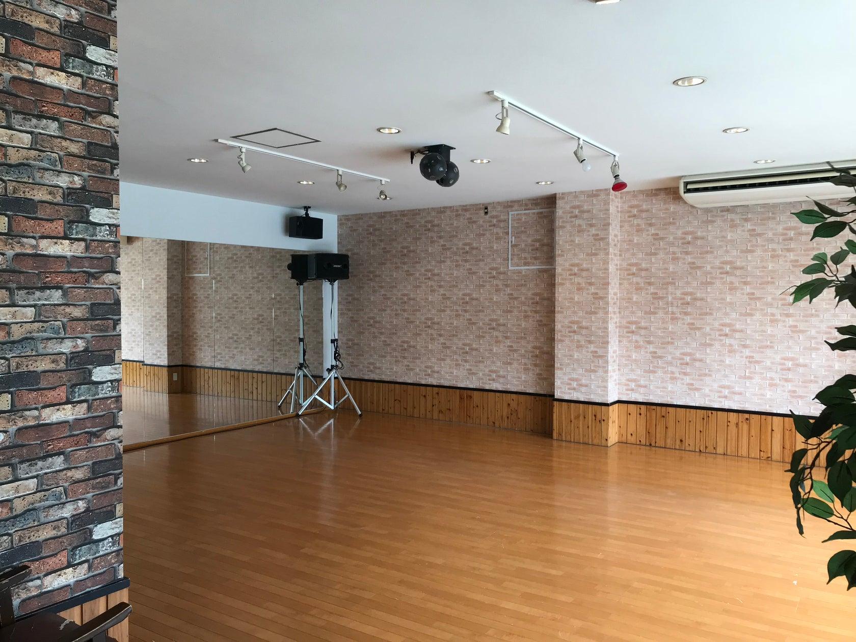 いろんな用途で使用できるおしゃれなフリースペース(DANCE STUDIO LIFE) の写真0
