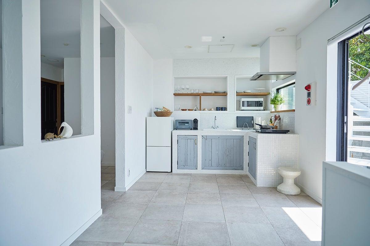 【南葉山】海目の前!白を基調とした素敵空間。『& SUN Terrace house』 の写真