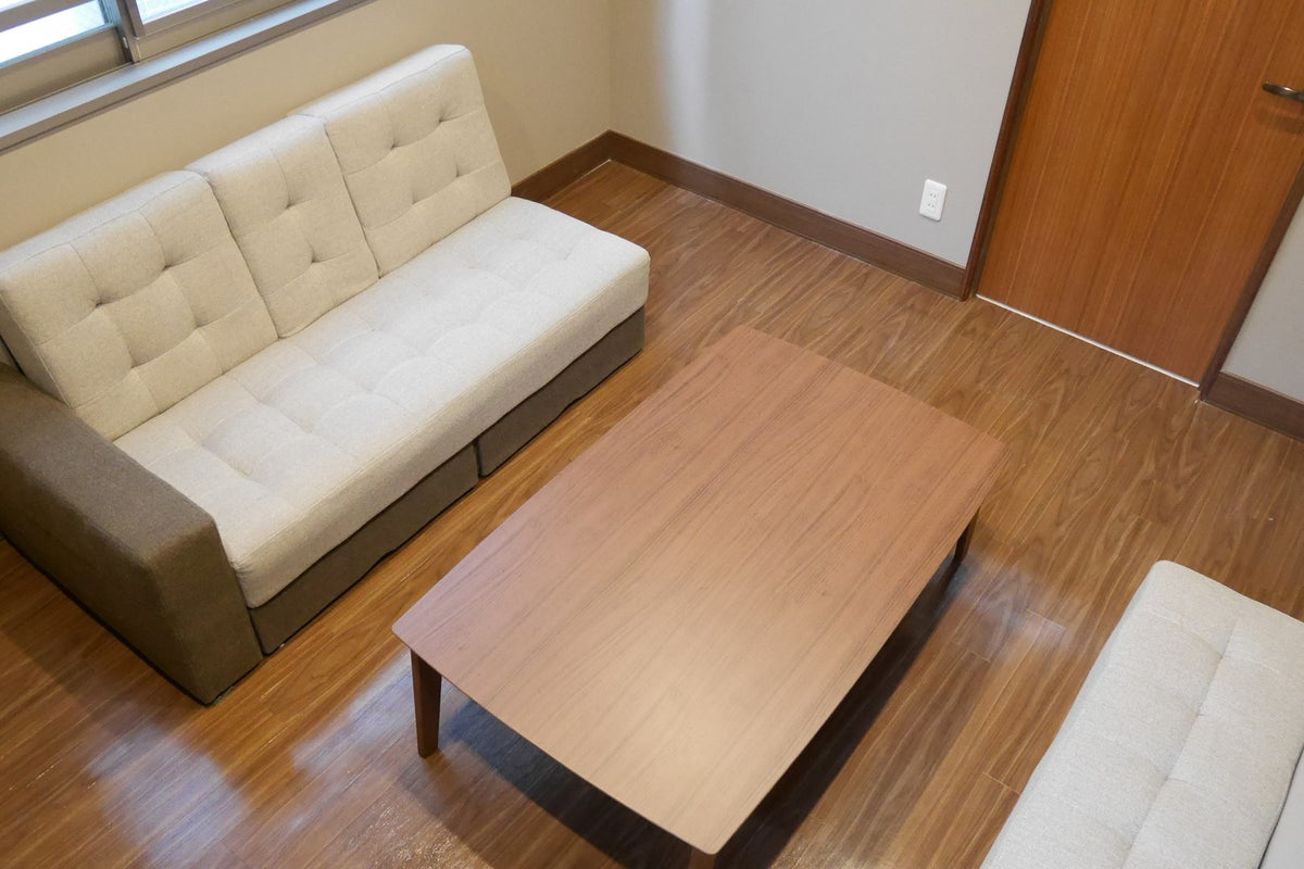 【川口】駅から徒歩2分!ソファーでゆったりミーティングルーム(Dルーム/5名) の写真