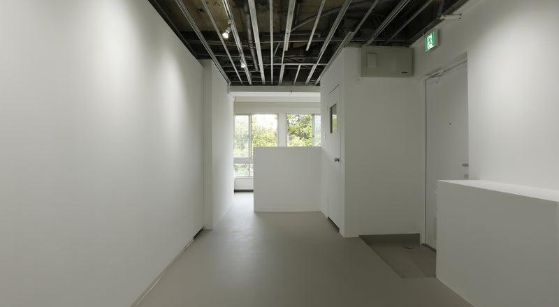 【表参道駅9分】展示会に適した白を基調とした美しいギャラリースペース