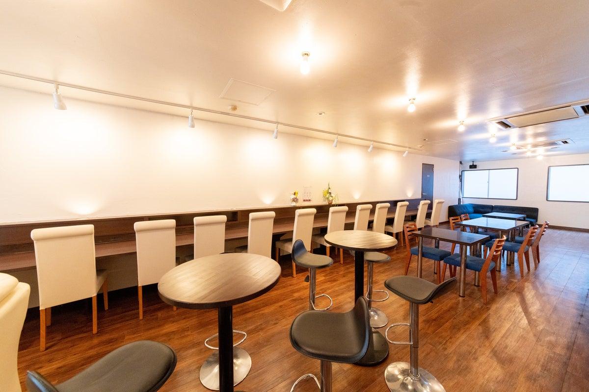 カフェ&レンタルスペース! パーティ、セミナー、モデル・コスプレ撮影、会議等に! の写真