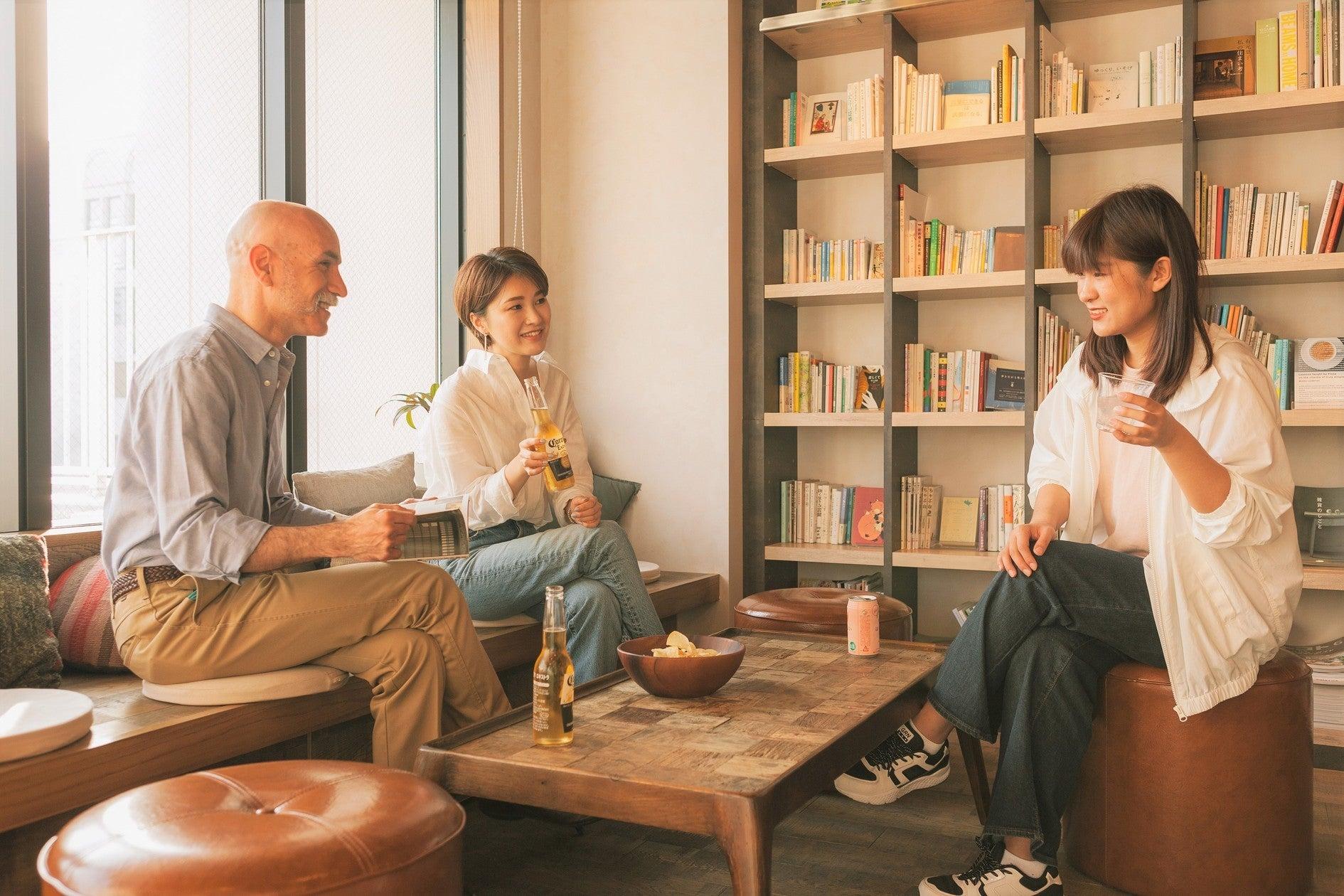 【 パーティ―/イベント/撮影/教室/会議 】WeBase 博多 ホステル Books&Lounge のサムネイル