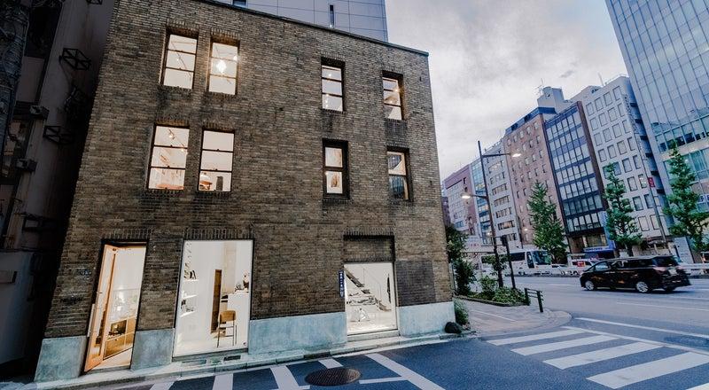 銀座90年の時を刻む!歴史的文化財ビル。現代アートのギャラリー空間 & 銀座の昭和通りを望む屋上