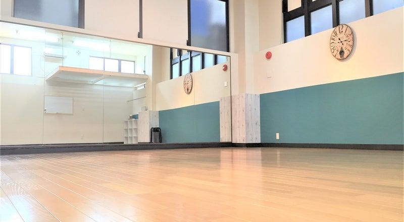 【横浜黄金町】大型鏡完備!1階・駅チカの天井が高いダンススタジオ!広々とした綺麗なスペース♪【黄金町店】