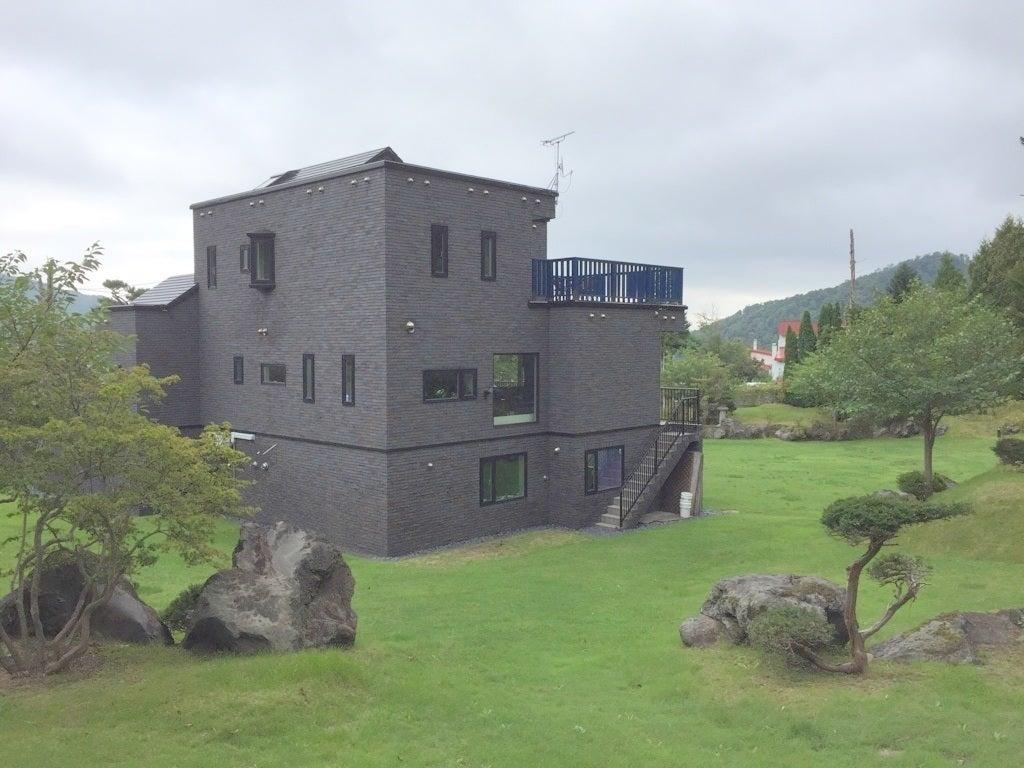 1200坪の日本庭園と人工滝+6LDK豪邸+ウッドデッキ付♪自然豊かな邸宅スペース! の写真