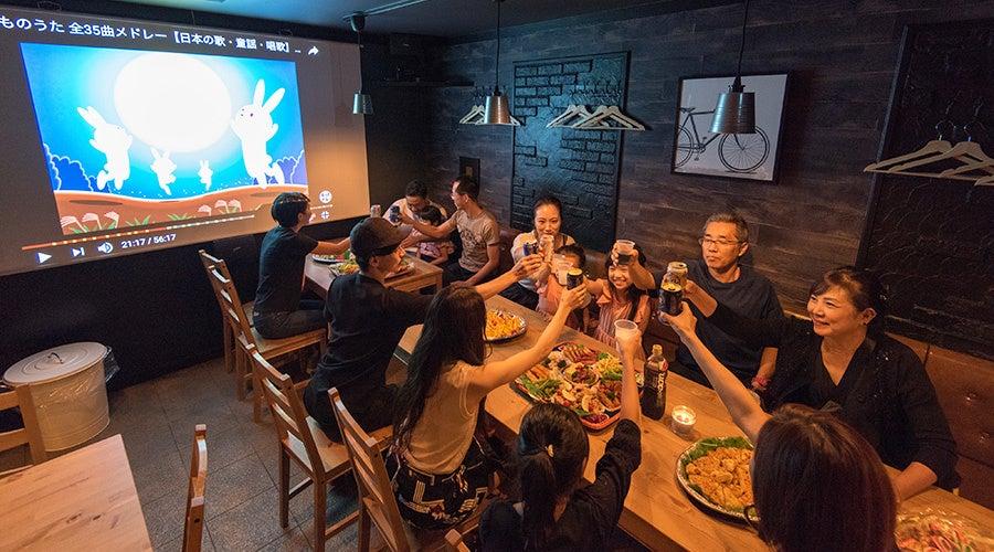 🌟キッチン付きカフェスペース!鍋パーティー・🎥100インチプロジェクターで鑑賞会・☕️1dayカフェ・🎁パーティー・🍺歓送迎会 の写真