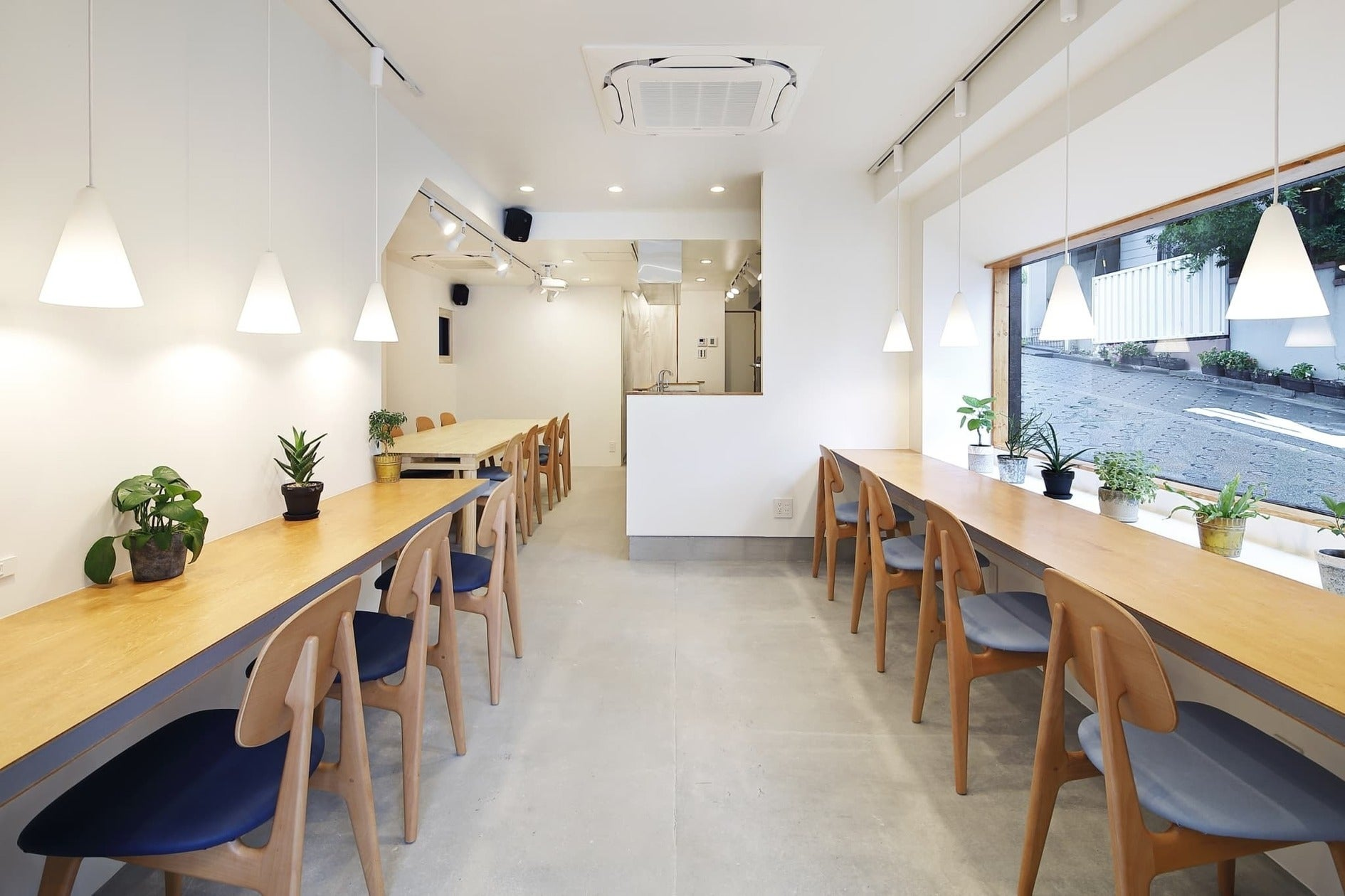 【完全プライベート空間】カフェを貸し切り。パーティーに、セミナーに、音楽ライブも行えます。(【完全プライベート空間】カフェを貸し切り。パーティーに、セミナーに、音楽ライブも行えます。) の写真0