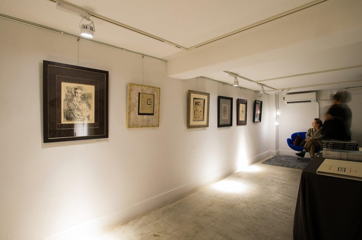 隠れ家のような地下空間「collé cave」。JR芦屋駅徒歩約3分。展示やアコースティックなライブ演奏など、多彩に使えます。 の写真
