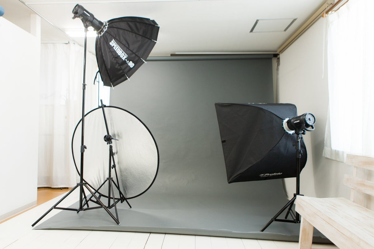 B<撮影設備の整ったフォトスタジオ>24H【地下鉄千代駅徒歩1分】撮影機材完備/メイク台/更衣室/完全個室/背景紙/博多区千代 の写真
