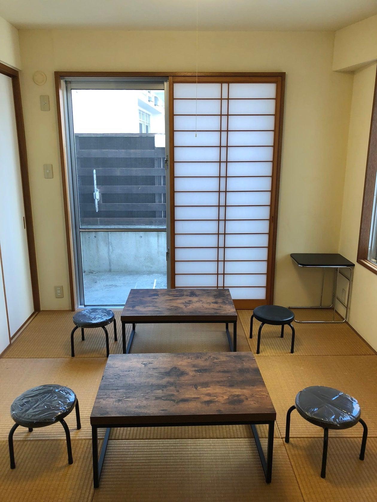 キッチン・冷蔵庫付きリノベスペース!女子会、教室利用などに! の写真