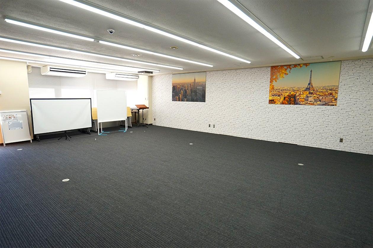 【デザインルーム】池袋駅C3出口徒歩10秒!完全個室・大型スペース プロジェクター・マイク貸出可 Wi-Fi無料 のサムネイル