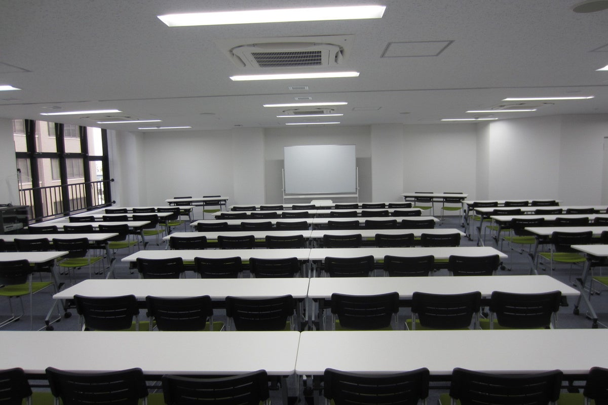 阿倍野・天王寺の駅チカ貸会議室!その他用途も可!最大150㎡(130名収容)! の写真