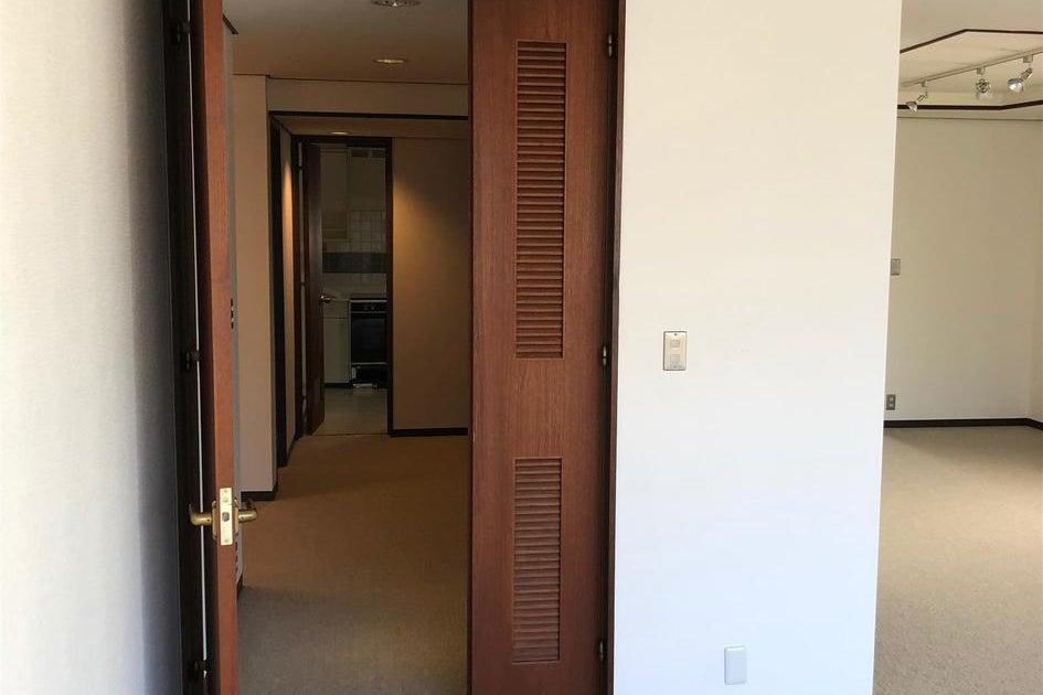 白金台ミッドセンチュリーな内装の1室 雑誌やウエディングの撮影などに! の写真