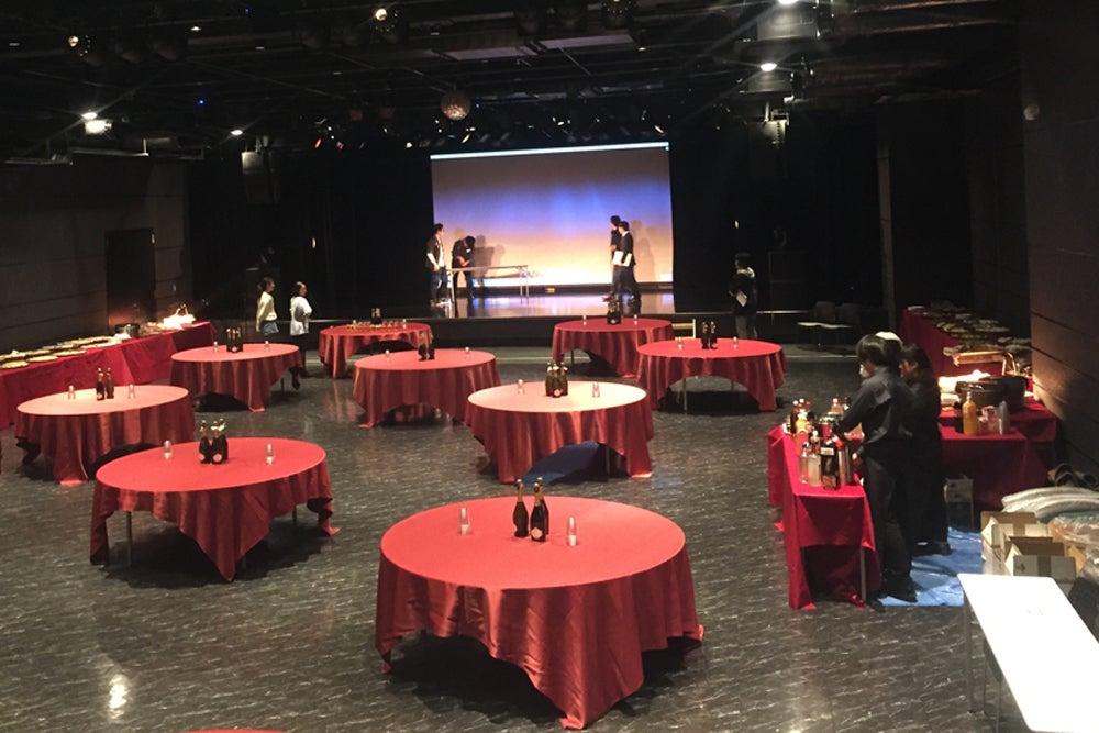 【横浜YTJホール】メジャーコンサート対応会場!音楽、演劇、企業カンファレンスなど、あらゆるニーズに応えるニュー・シアター の写真