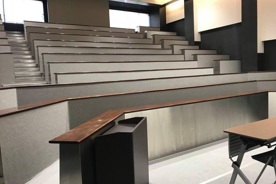 阿倍野・天王寺の駅チカ貸会議室!最大180名収容の大規模7Fセミナールーム! の写真