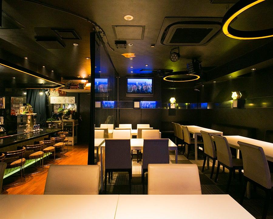【赤坂見附・徒歩3分】最大60名収容可能なキッチン付きスペース!【カラオケ無料・大型モニター】 の写真