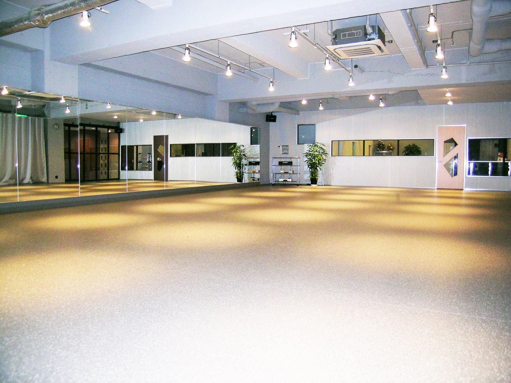 所沢ダンススタジオ 安くて広いフロアお探しの方はぜひ ダンス・ヨガ・フラ レンタル の写真