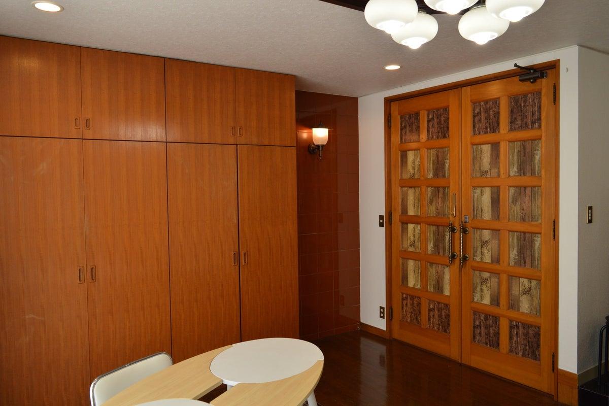 湯島駅徒歩1分。広めのワンルーム。ビル1階には三菱UFJ銀行のATMがあります。 の写真