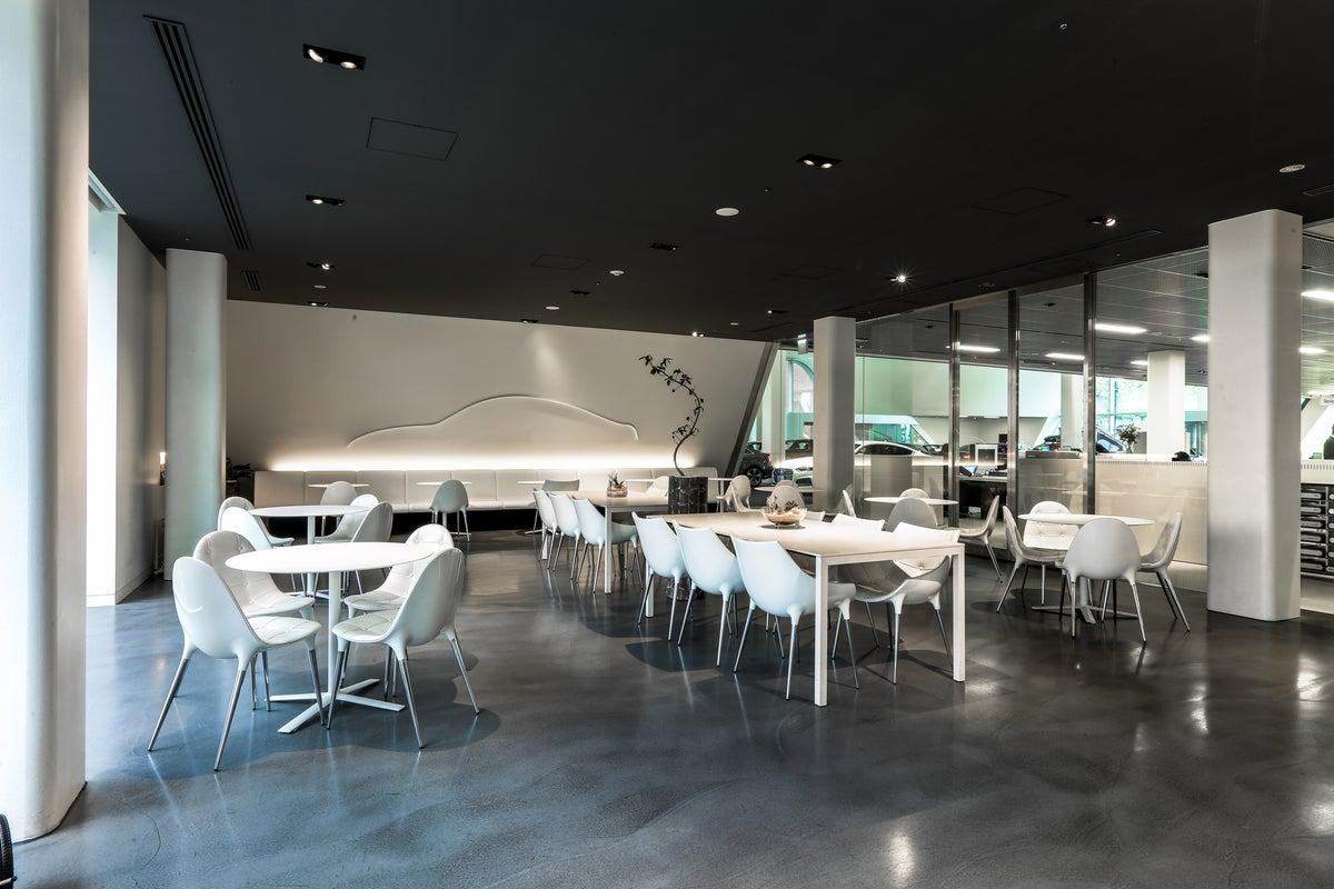 【使い方万能デザイン】広々テラス!!日本で唯一のAudiデザイン空間!!マイク、プロジェクター、観覧車 の写真