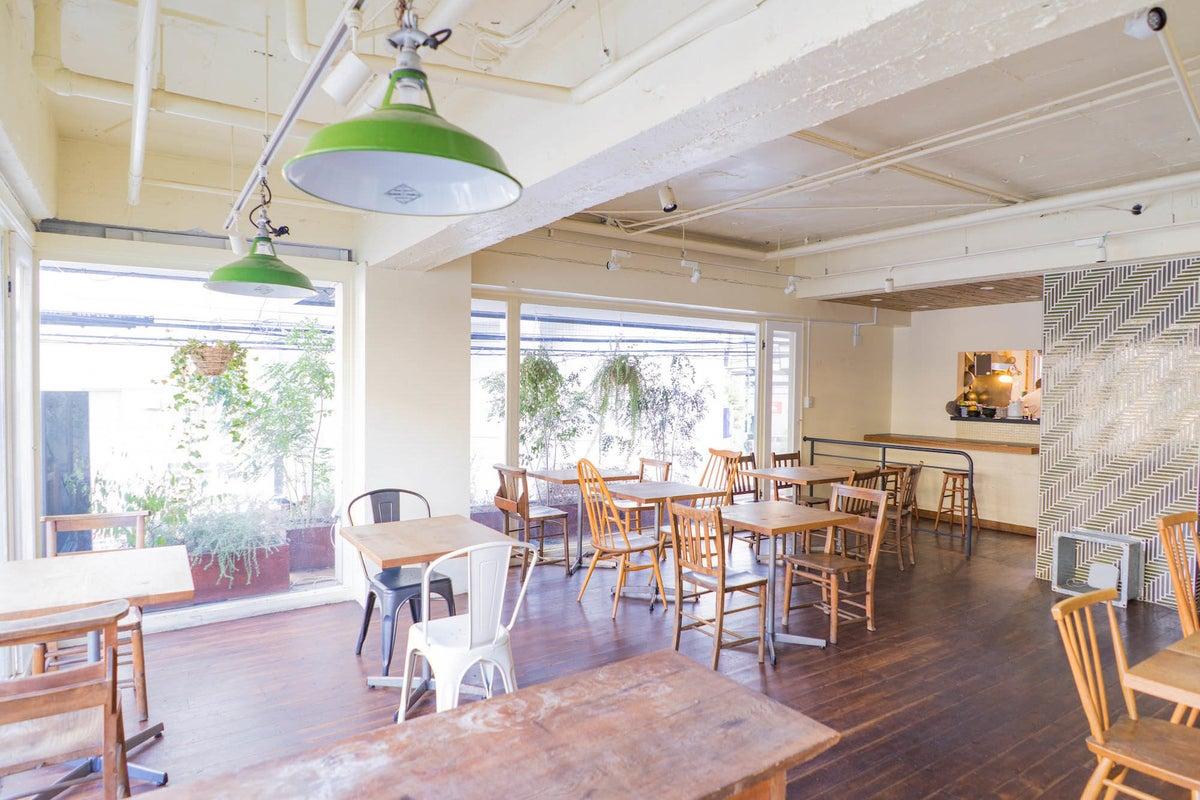 【国分寺駅徒歩2分!】20〜30名の利用にオススメ♪ カフェ型レンタルスペース の写真