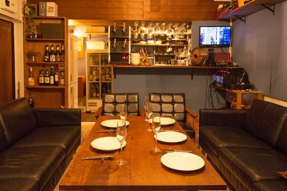 【3月花見可】会員制バー 業務用キッチン、カラオケ、プロジェクター有  パーティー、バーベキューに の写真